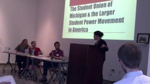 Zach Feldman, étudiant d'Université de Michigan (à gauche) nous a rendu visite en printemps 2013 pour nous raconter ses expériences comme organisateur de SUM (Student Union of Michigan). Ce groupe lutte pour la réduction de frais de scolarité.